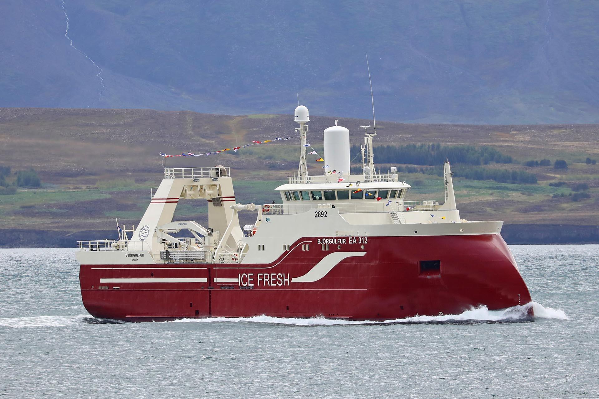 Slippurinn Akureyri will deliver turnkey solutions in fresh fish vessels Kaldbakur EA 1 and Björgúlfur 312 for Samherji.